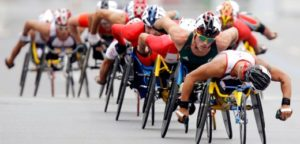 Australia's Kurt Fearnley (2nd from front) competes in the men's marathon T54 at the Beijing 2008 Paralympic Games September 17, 2008. REUTERS/Jason Lee (CHINA)