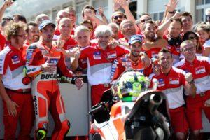 Andrea ed il team della Ducati