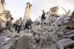 >>>ANSA/ TERREMOTO DEVASTA IL CENTRO ITALIA, 73 I MORTI ACCERTATI