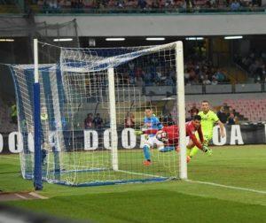 Napoli conquista la vetta del Campionato