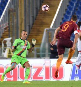 09-18-a-doppietta-dzeko0-roma-crotone-4-0
