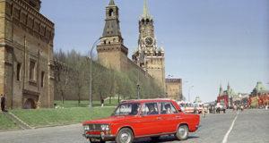 La Zhigulì a Mosca nella Piazza Rossa