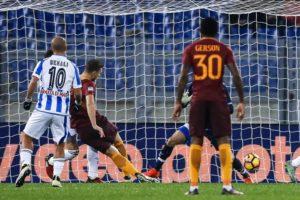 La Roma supera il Pescara e rimane in corsa
