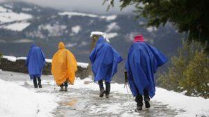 Si cammina incuranti delle condizioni atmosferiche