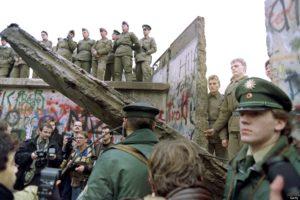 9 novembre 1989 cade il Muro di Berlino